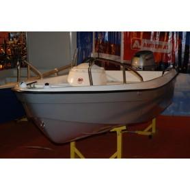 AMBER 360E boat