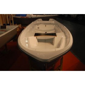 AMBER 450E boat