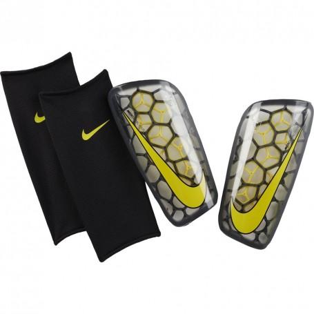 Desaparecido Pigmento ficción  Nike Mercurial Flylite GRD football shin guards
