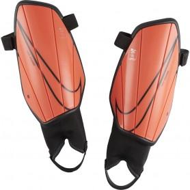Futbola kāju aizsargi Nike CHRG GRD