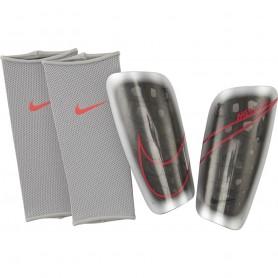 Futbola kāju aizsargi Nike Merc LT GRD