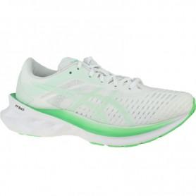 женские спортивные обувь Asics Novablast