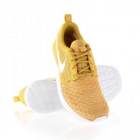 Women's sports shoes Nike Rosherun Flyknit