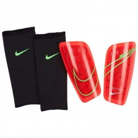 Football shin guards Nike Mercurial Lite