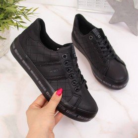 Women's shoes Black low-top sneakers on the Big Star